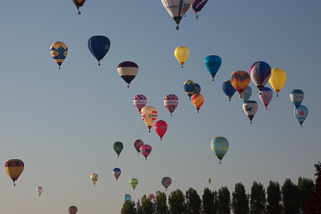 Ivek_Množica balonov