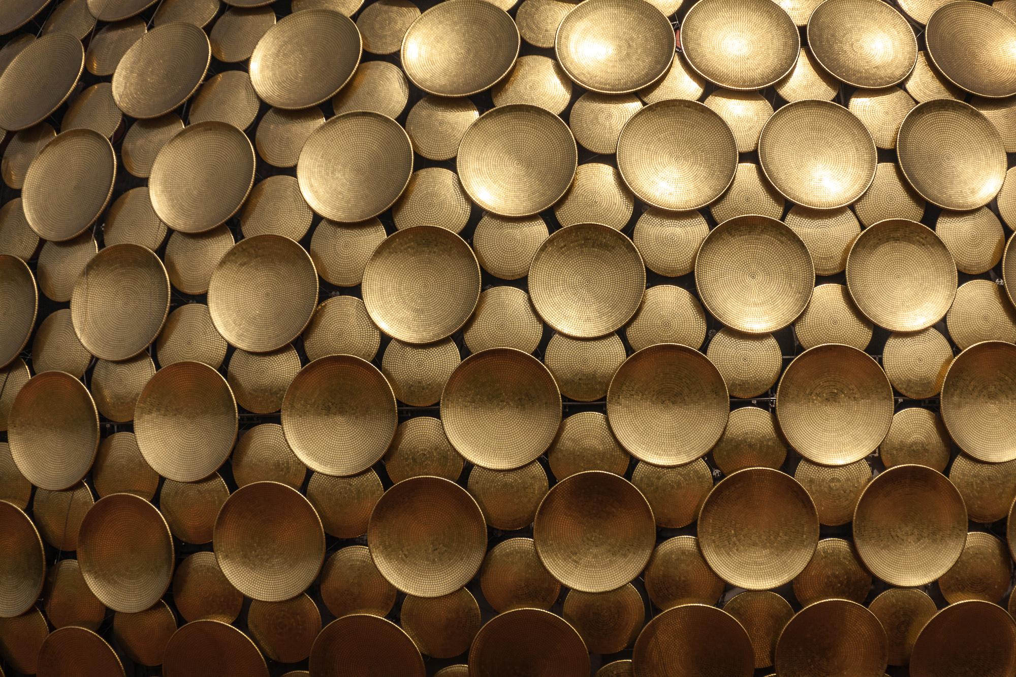Tomaž Velechovsky_God golden plates