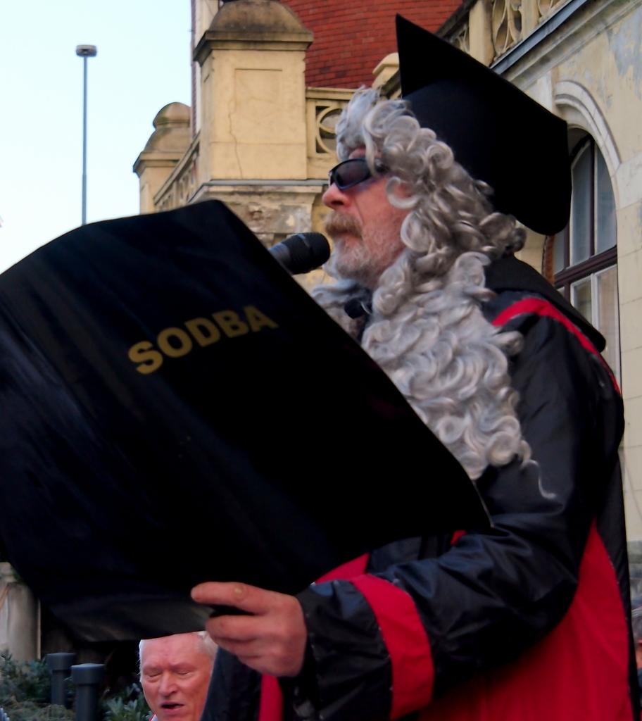 Valentin Steblovnik_Pustu je sodba izrecena