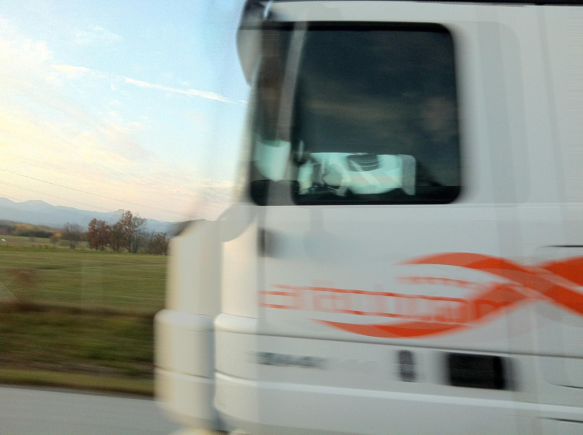 Tomaz Velechovsky_Beli kamion