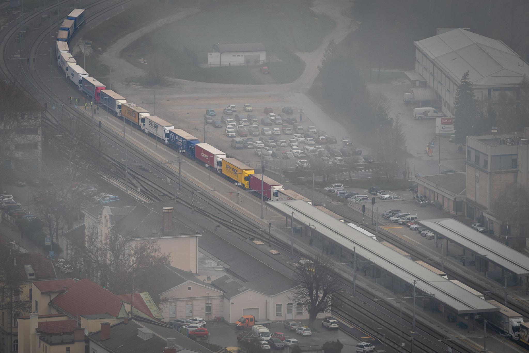 Zdenko Podlesnik: Depresija ob vlaku