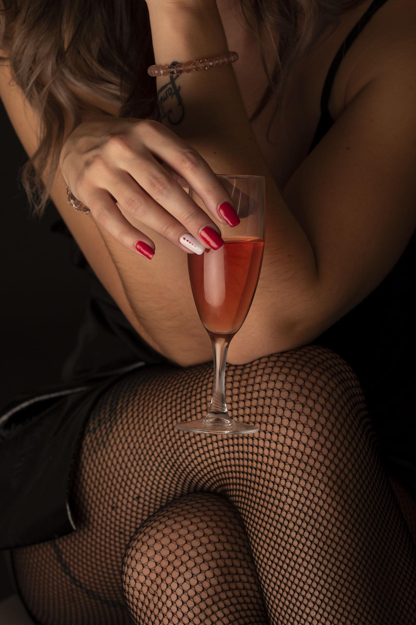 Urša Gradišnik: Some champaign, maybe?