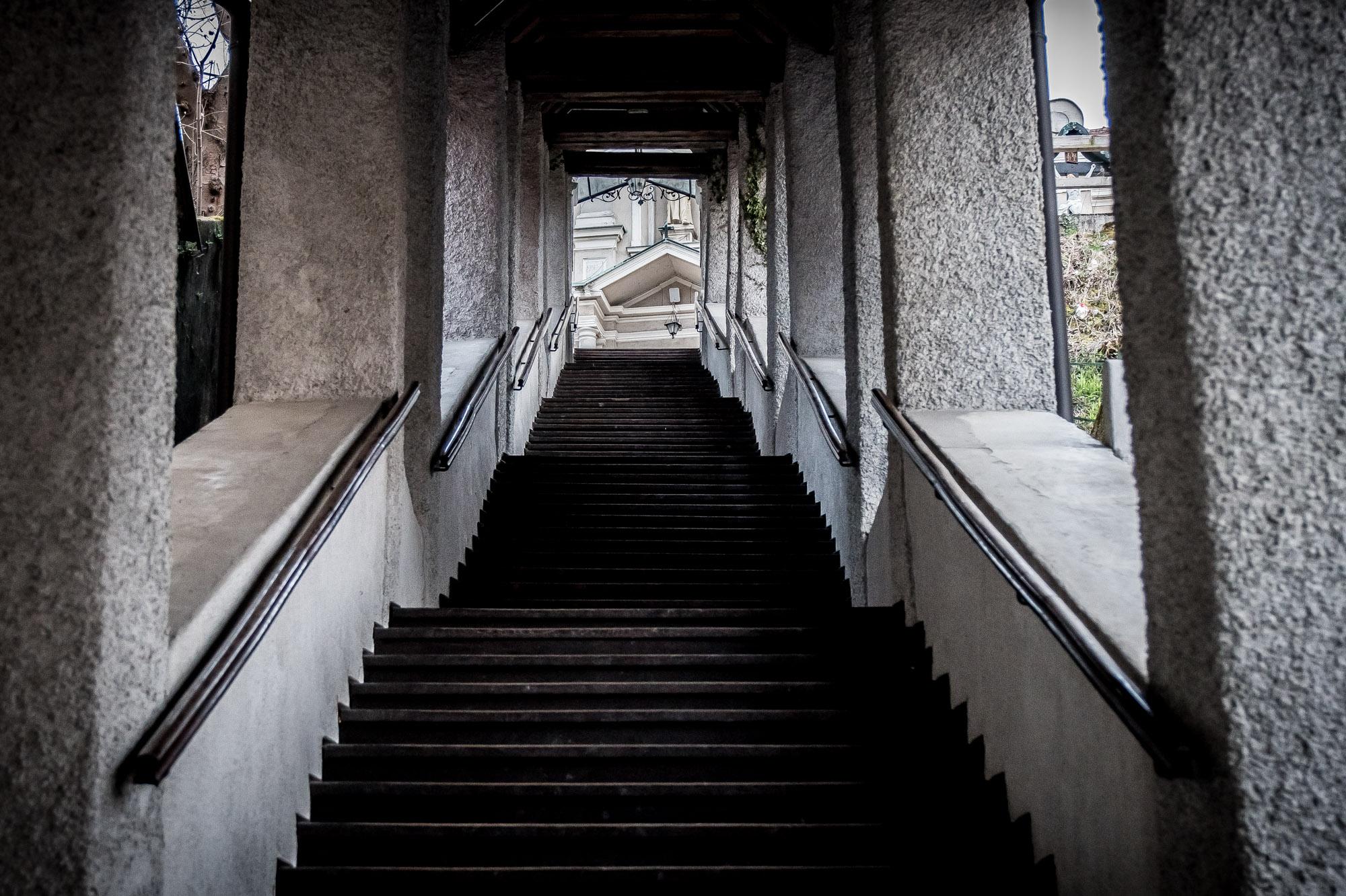 Peter Ocvirk: Stopnice v kapucinski samostan