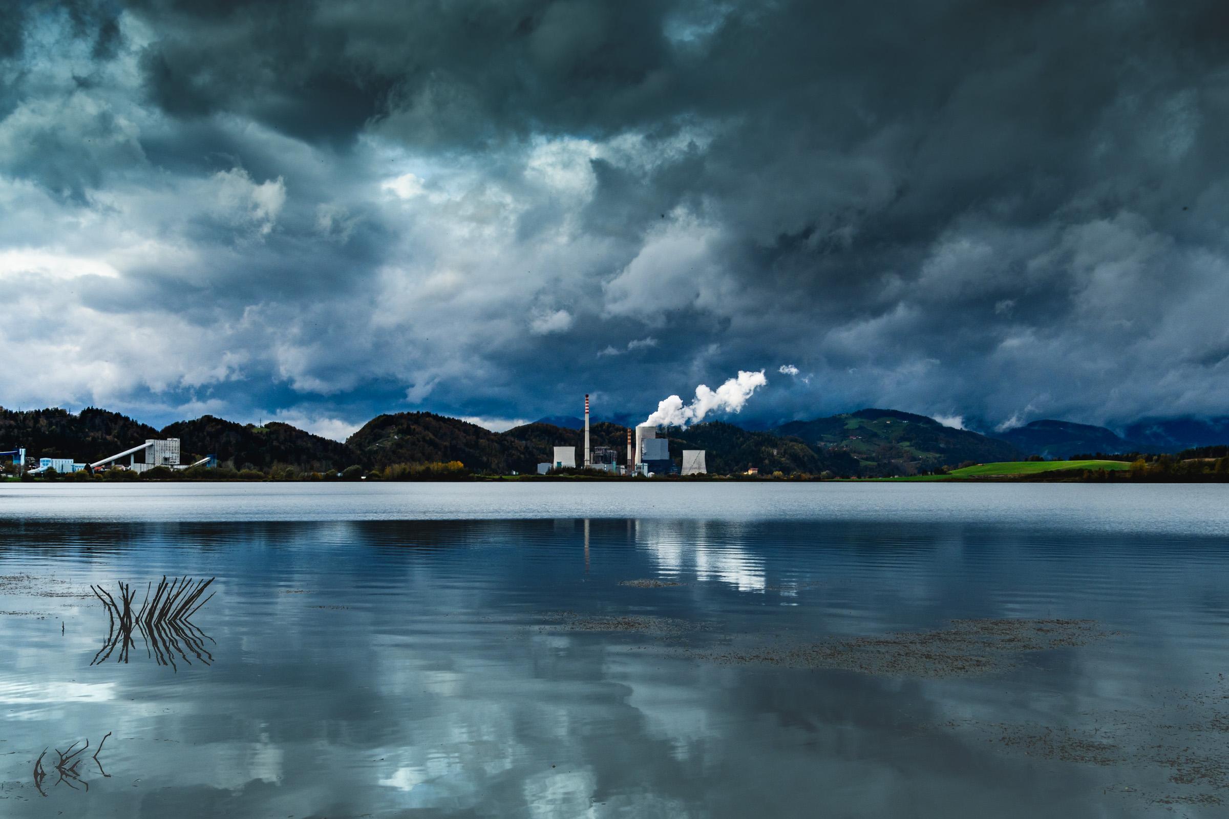 Vid Sajko: Deževna jesen