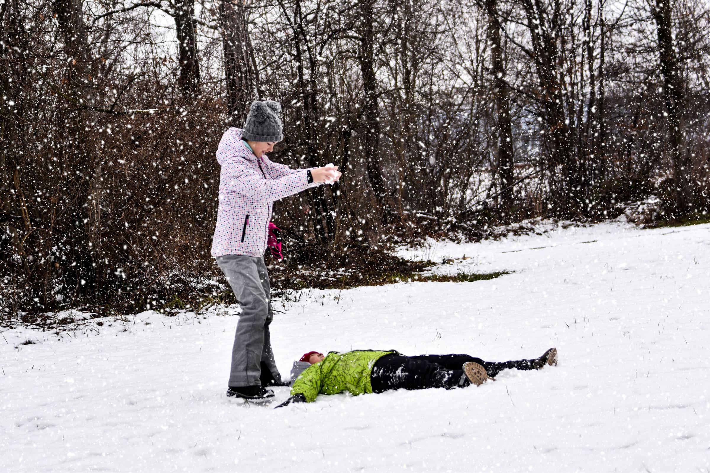 Emilija Banfić - Zimske vragolije